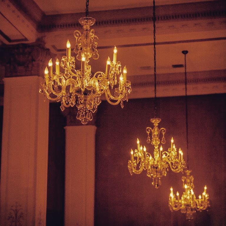 finlen-hotel-ballroom-chandelier